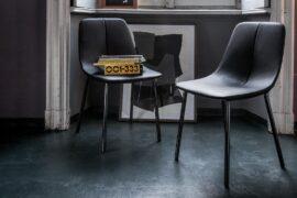 By met- krzesło